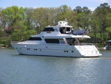 2000 Horizon Pilothouse Motor Yacht