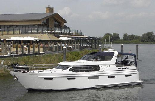 2005 Van Den Hoven Pacific 148 Exclusive
