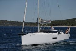 photo of  43' Elan GT5