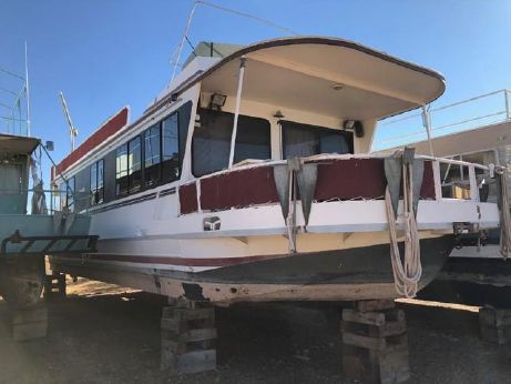 1989 Skipperliner Houseboat