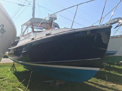 1988 Cape Dory Bass Boat Sportsman