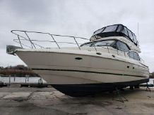 1999 Cruisers Yachts 5000 Sedan