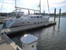 2004 Hunter 426 Deck Salon