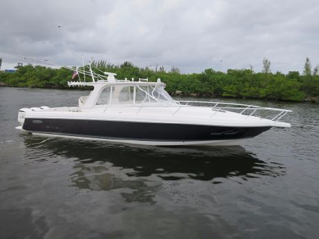 2015 Intrepid 390 Sport Yacht