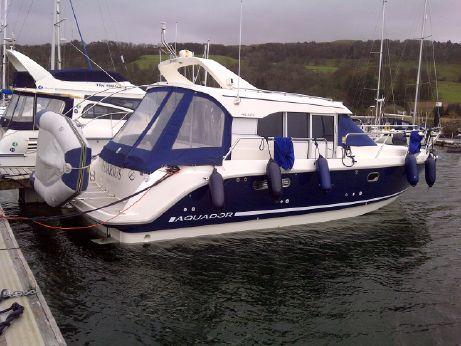 2001 Aquador 32 Cabin