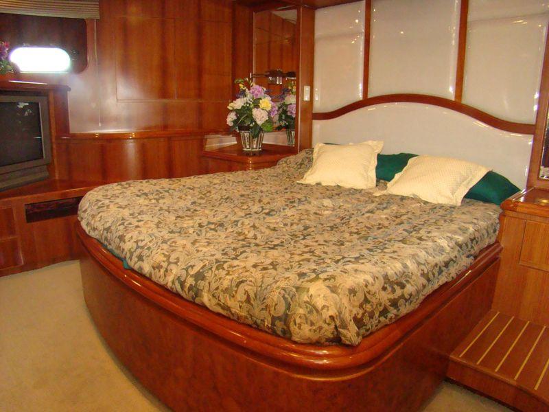 97 Transworld Motoryacht Money Cat Megayacht for sale