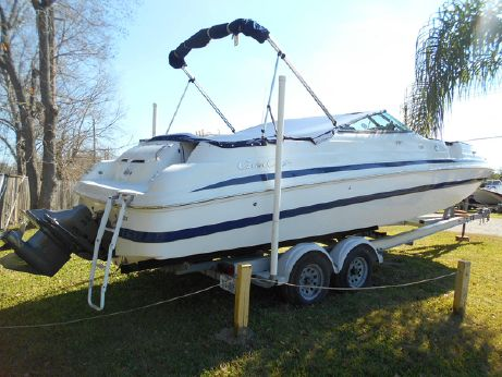 1999 Chris-Craft 262 Sport Deck