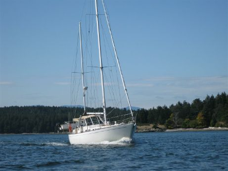 1981 Sailboat Sea Maid 45