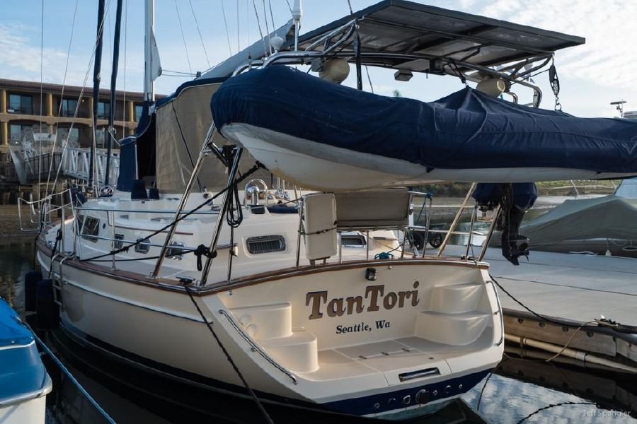 Island Packet 445 Sailboat for sale in san Diego