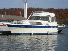 1985 Chris Craft 410 Commander