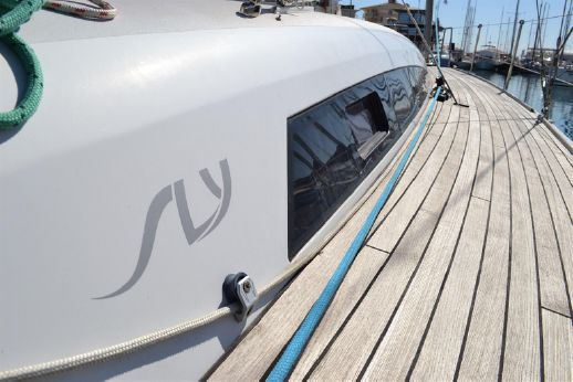 2010 Sly Yachts Sly 42