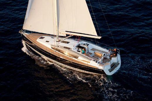 2013 Jeanneau Sun Odyssey 44 DS Docking