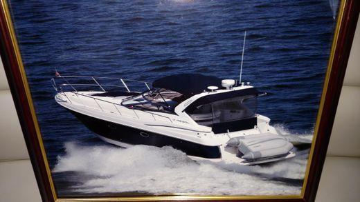 2004 Regal 3860 Commodore