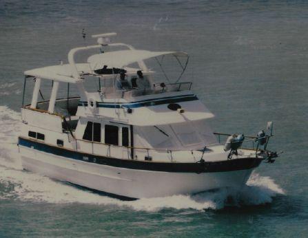 1988 Marine Trader 40 Sun Deck