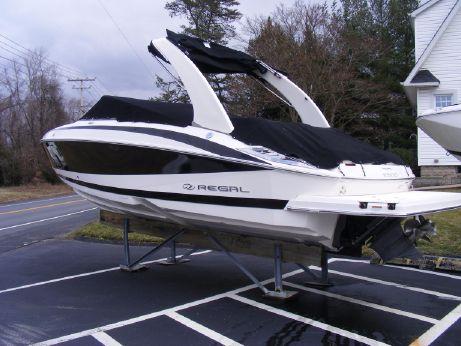 2011 Regal 2500 Bowrider
