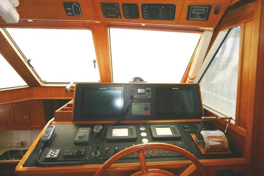 Grand Banks Eastbay 47FB Lower Helm Controls