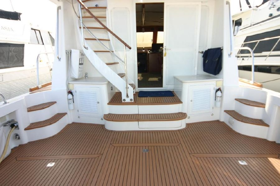 Grand Banks Eastbay 47FB Cockpit