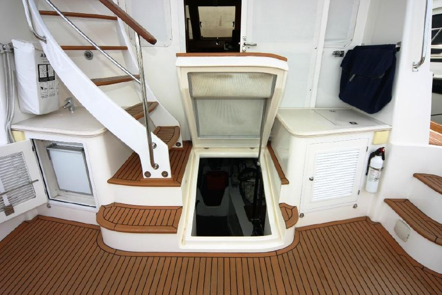 Grand Banks Eastbay 47FB Engine Access