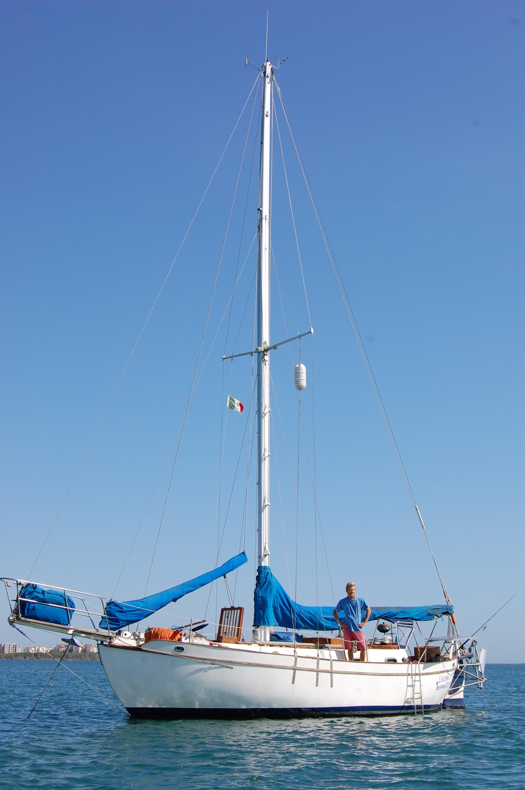 32' Westsail Cutter+Photo 8