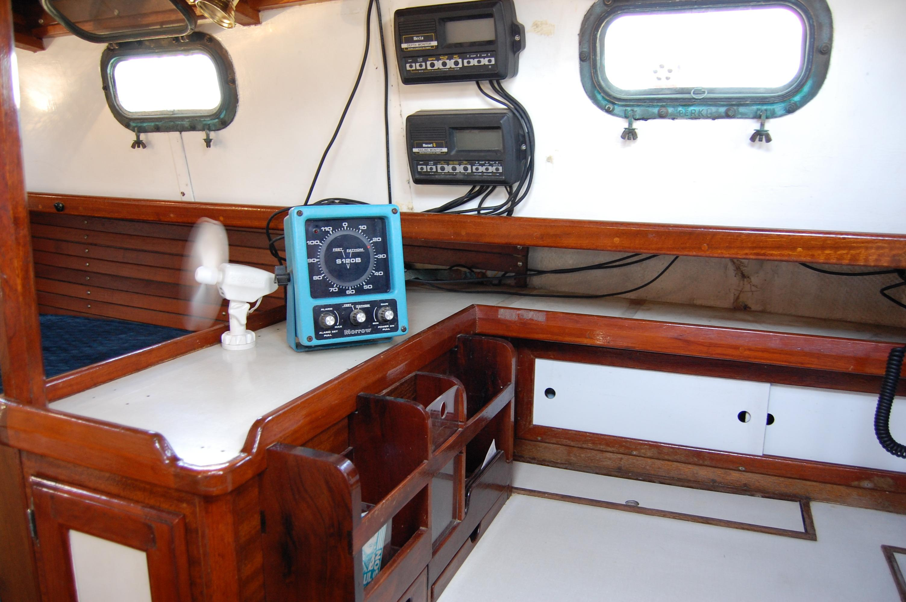 32' Westsail Cutter+Photo 25