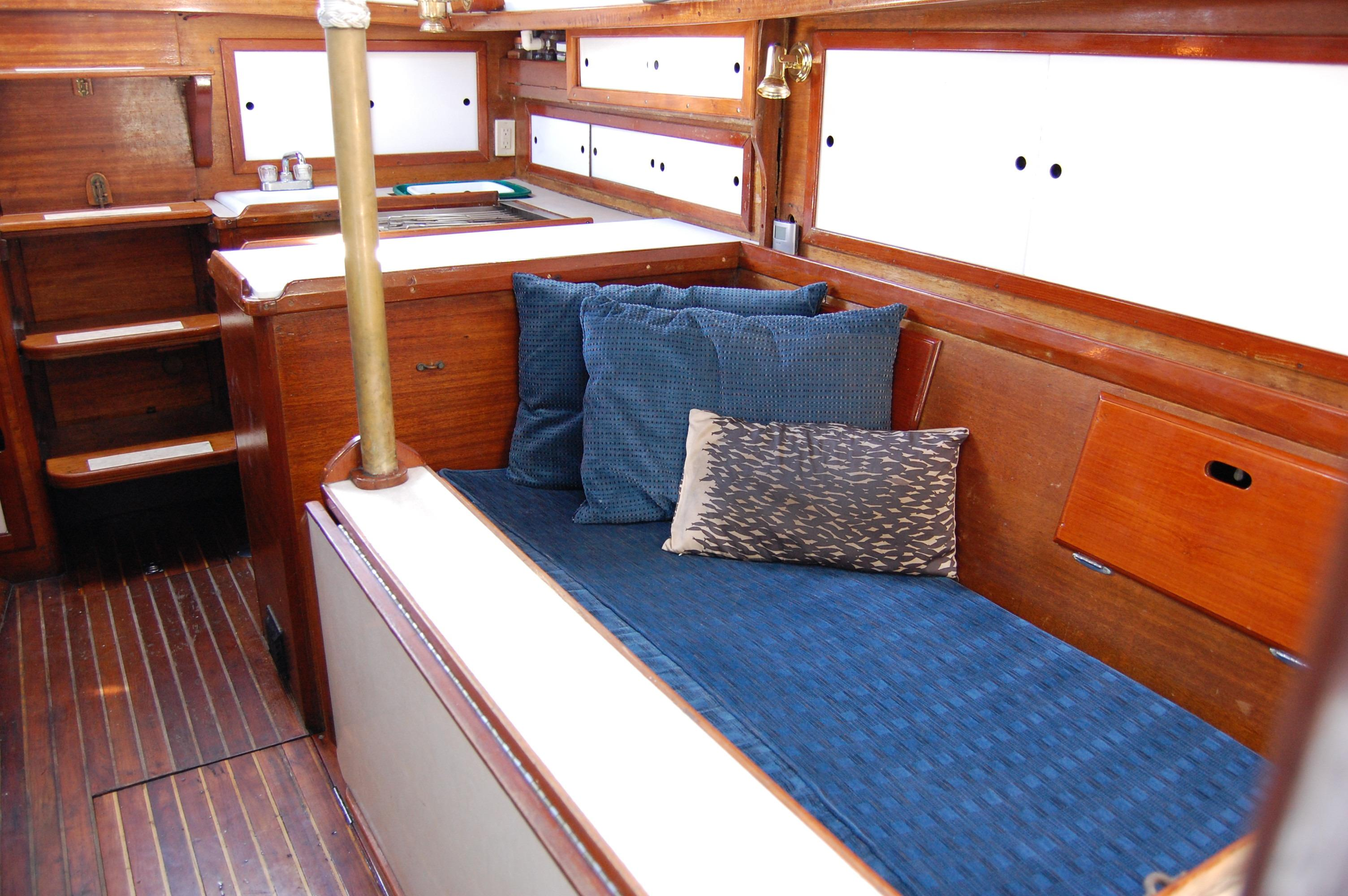 32' Westsail Cutter+Photo 28
