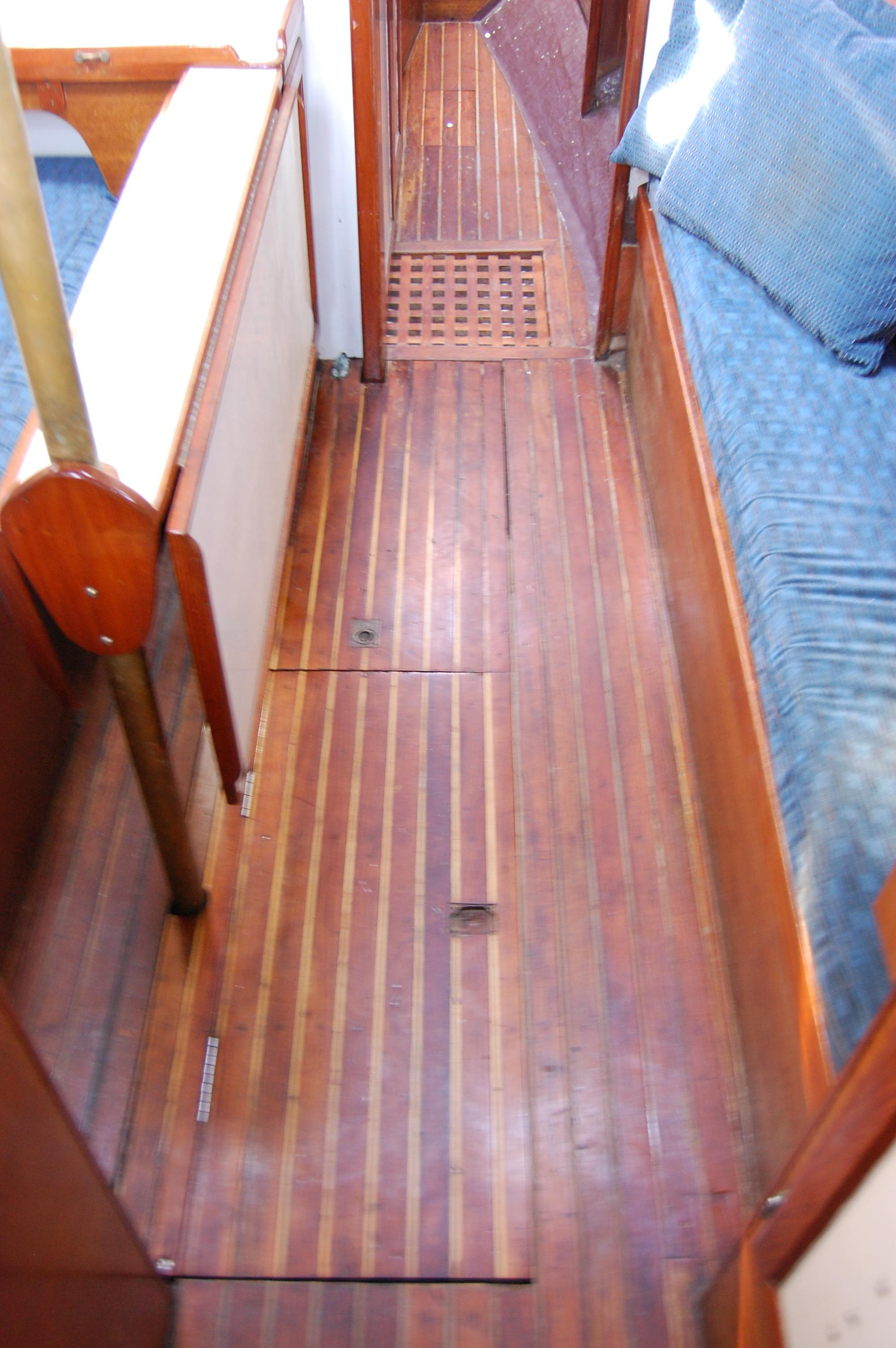 32' Westsail Cutter+Photo 33