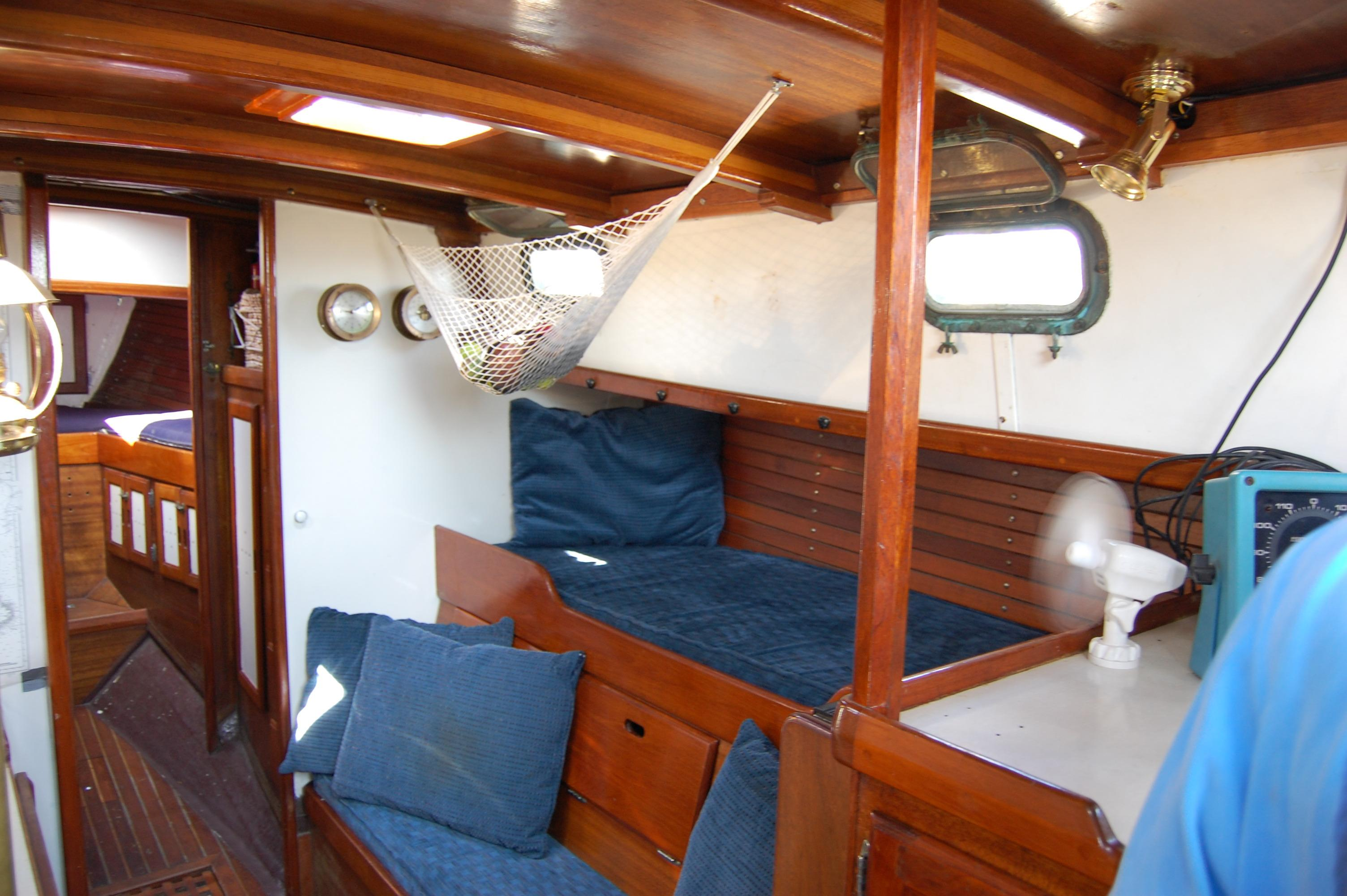 32' Westsail Cutter+Photo 36