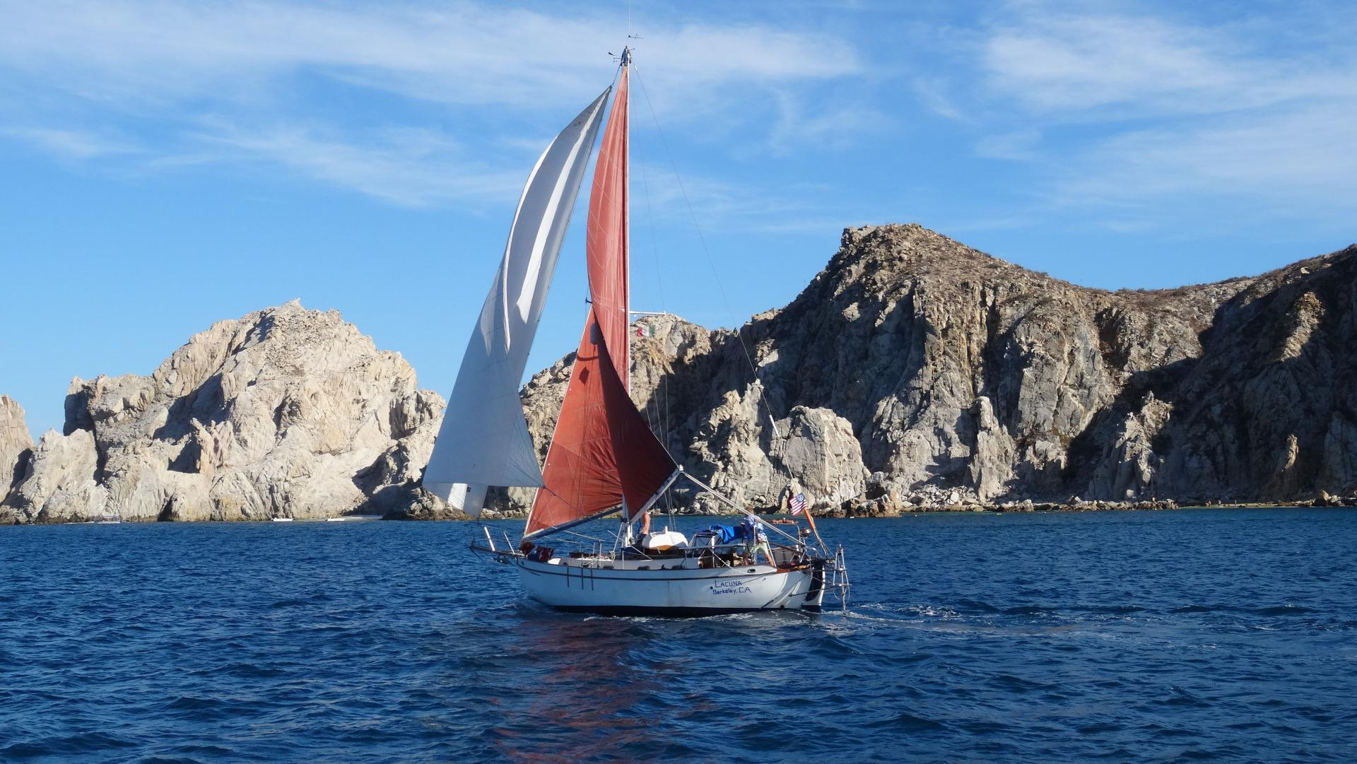 32' Westsail Cutter+Photo 6