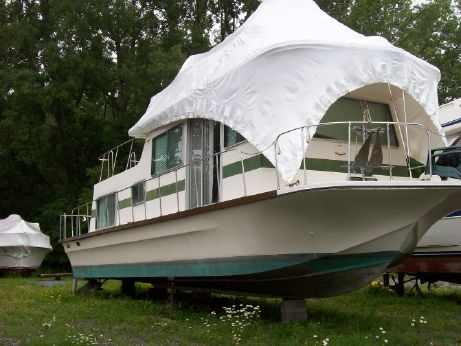 1976 Harbormaster Houseboat