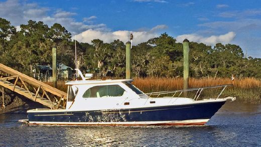 2010 Hunt Yachts Harrier 36