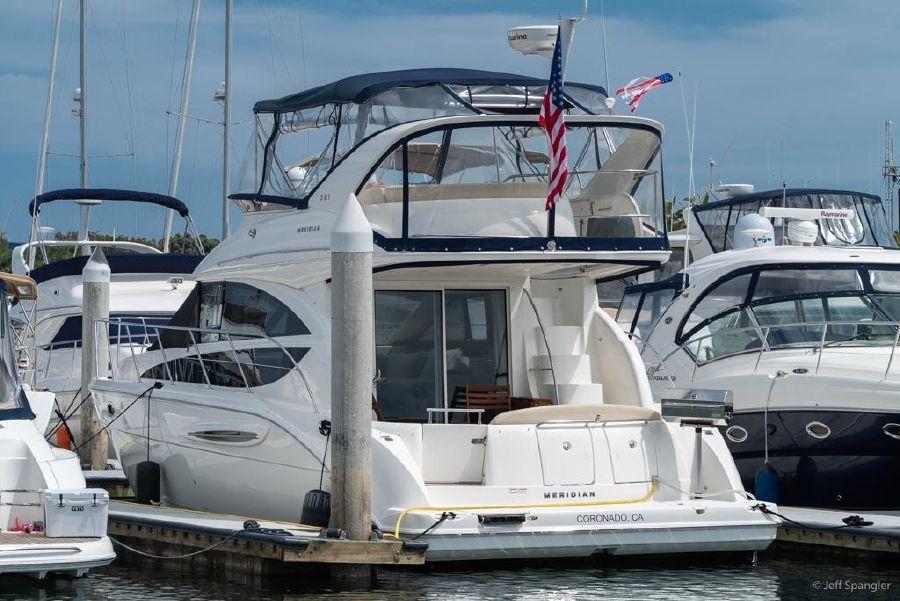 Meridian 391 Sedan Boat for sale in San Diego