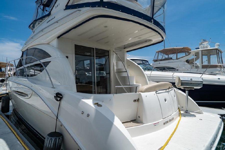 Meridian 391 Sedan Port Profile