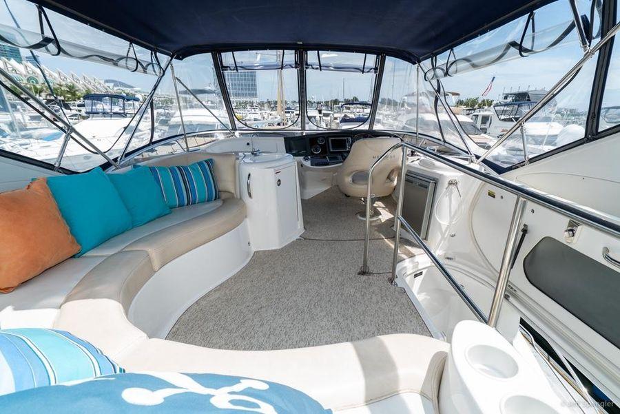 Meridian 391 Sedan Yacht Flybridge