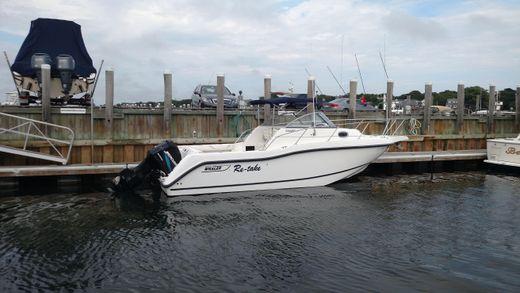 2003 Boston Whaler Conquest