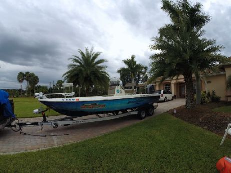 2014 Skeeter SX 240 Bay Boat Center Console