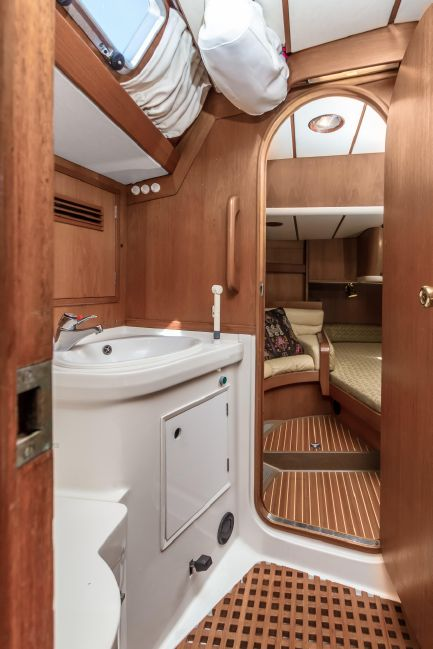 Nautor Swan 53 Head Compartment