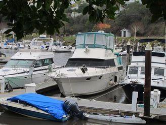1983 Silverton Aft Cabin Motor Yacht