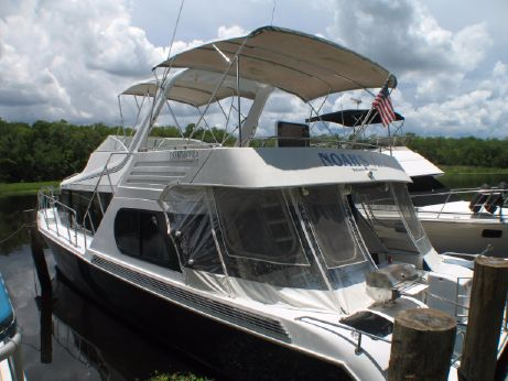 1989 Bluewater 52 Cockpit Motor Yacht