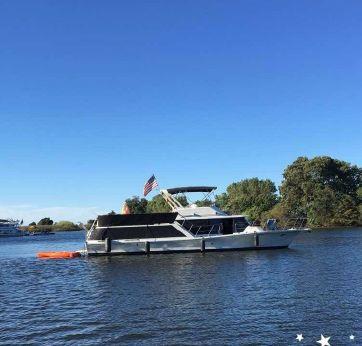 1987 Bluewater Yachts Motoryacht