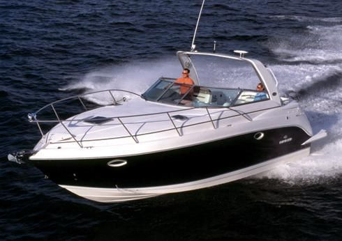 2009 Rinker 320 Express Cruiser