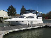 1997 Cruisers Yachts 3650
