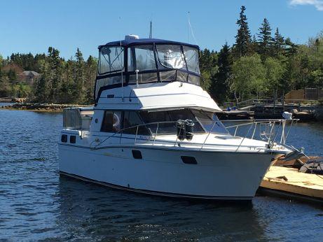 1989 Carver Yachts 32 Aft Cabin