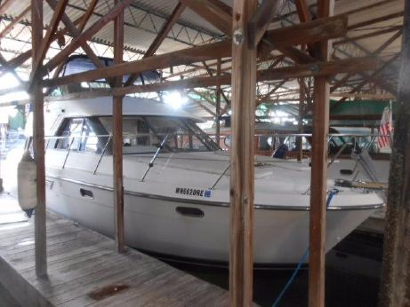 1995 Carver Yachts Voyager 370