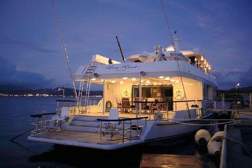 2012 32 Meter (105ft) Explorer Motoryacht