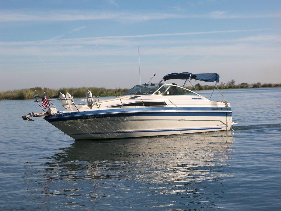 1987 Sea Ray Sundancer 268 Power Boat For Sale