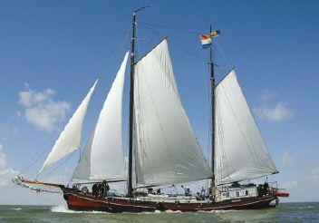 1905 Barge Clipper