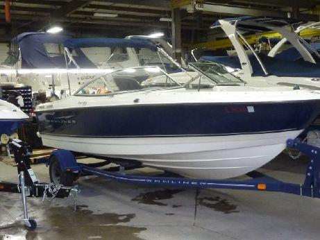 2007 Bayliner 215