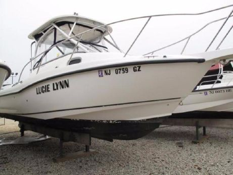 2005 Boston Whaler 23 Conquest