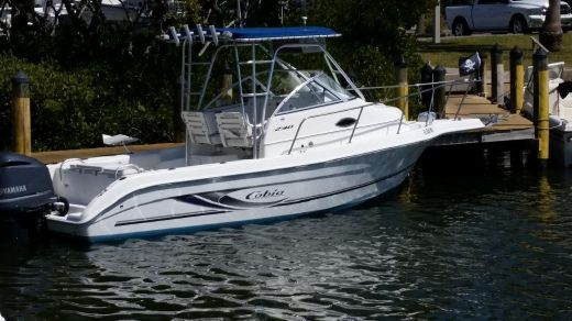 2003 Cobia 230 Walk-Around
