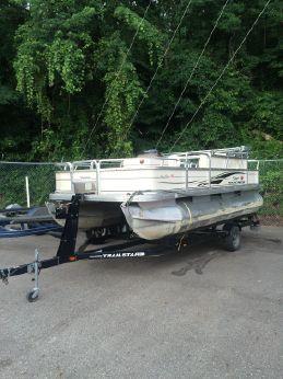 2006 Tracker Marine Bass Buggy